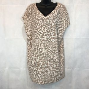 MAGGY LONDON Tan and White Shift Dress, Size 4